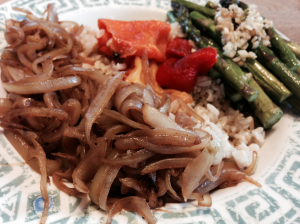 caramelized onions w rice, roasted peppers & asparagus