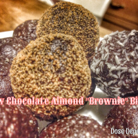 "Raw Chocolate Almond ""Brownie"" Bites"